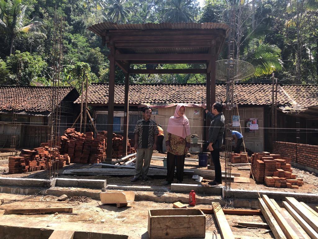 Monitoring Program BSPS di Desa Wonosido Kec Pituruh